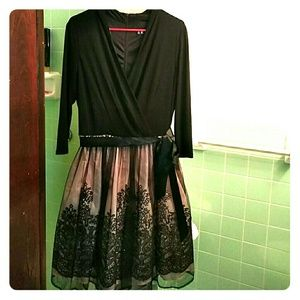 Leslie Fay dress